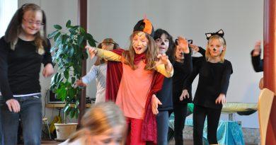 Theaterschnupperstunde zum Ferienprojekt. Märchen aus aller Welt