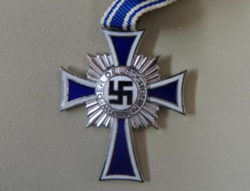 Objektgeschichte: Mutterkreuz